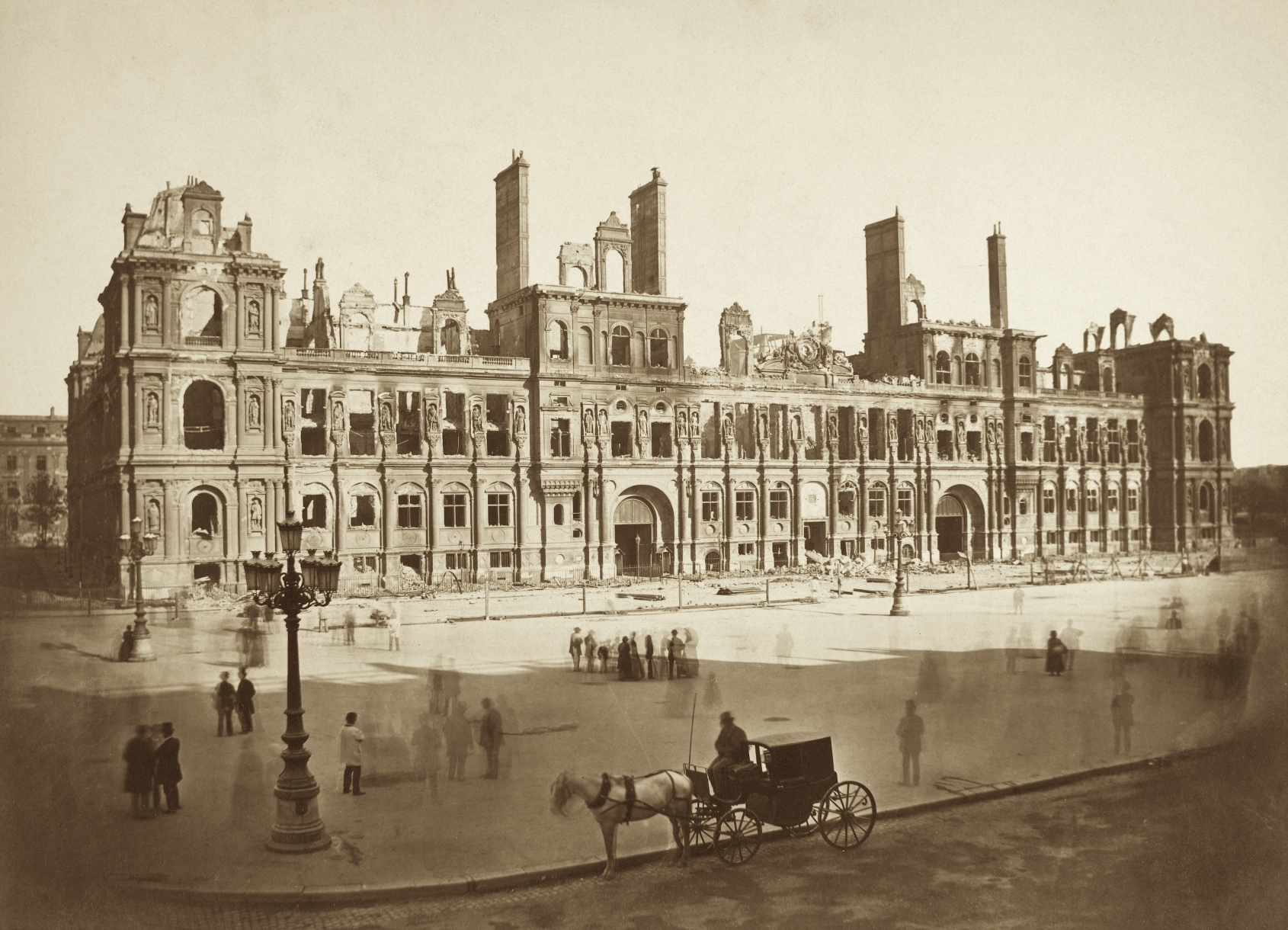 The Hôtel de Ville after the fire